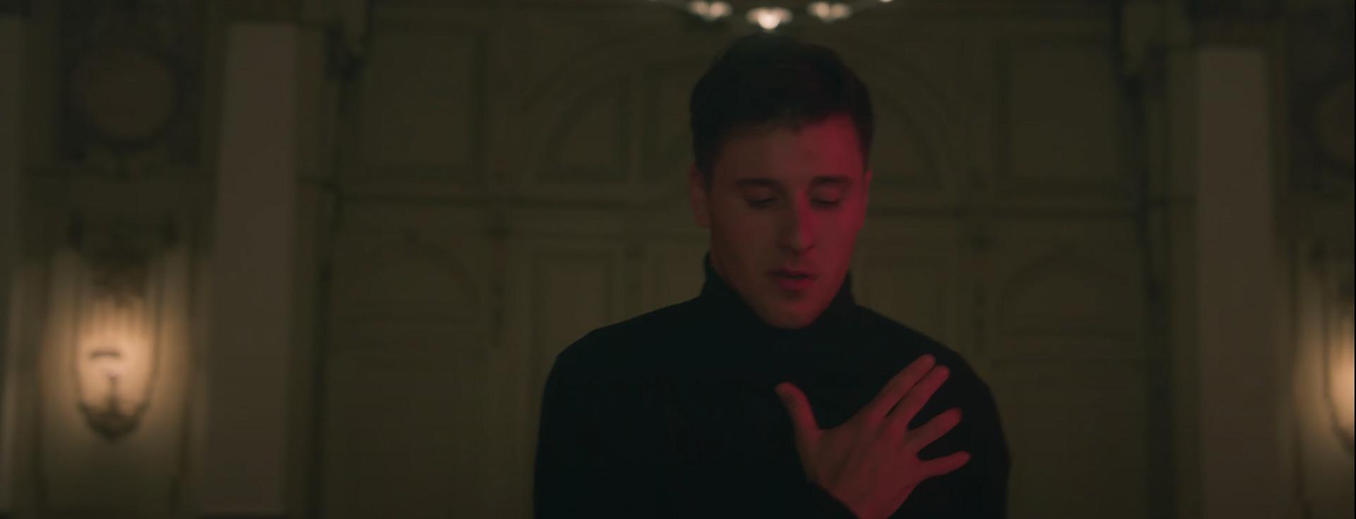 "Standbild Musikvideo ""Too far away"""